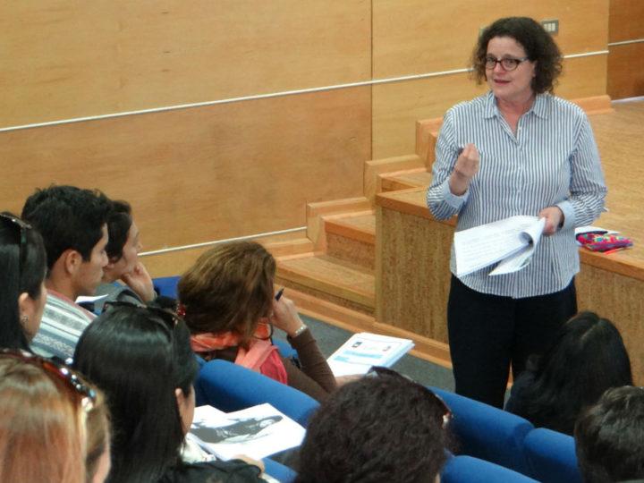 Apoderados participaron en seminario para las familias y escuela
