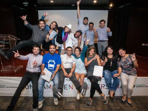 Ganadores de AntofaEmprende firman convenio