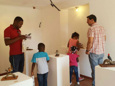 """Exposición """"Chiwanku"""" cautivó a los habitantes de San Pedro de Atacama y sus turistas"""