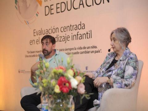 Expertos españoles compartieron experiencias exitosas en educación con docentes de la región