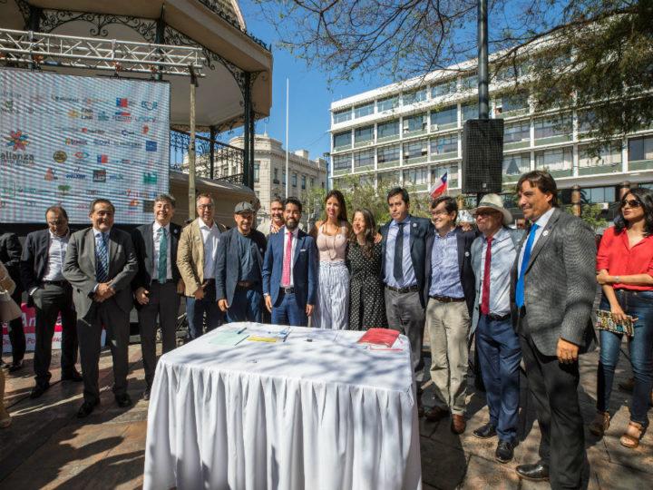 Más de 70 organizaciones firman pacto por Antofagasta