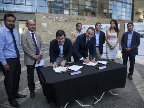 Se consolida alianza público privada para construcción de nueva playa artificial y caleta La Chimba