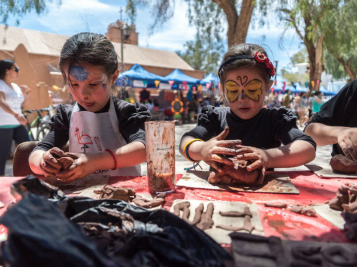 4ta versión de la Feria Familia y Comunidad llega a Mejillones y San Pedro de Atacama
